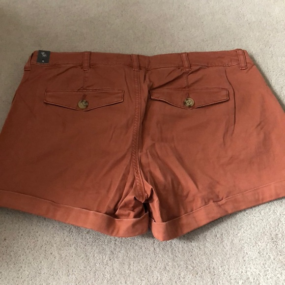Abercrombie chino shorts!